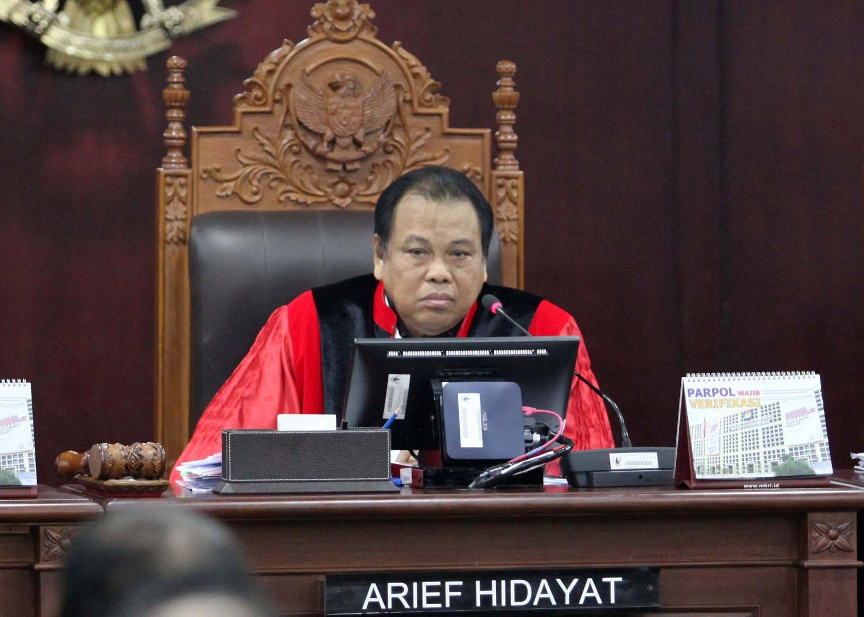 Hakim Konstitusi Arief Hidayat saat memimpin sidang di MK. (Media Indonesia)