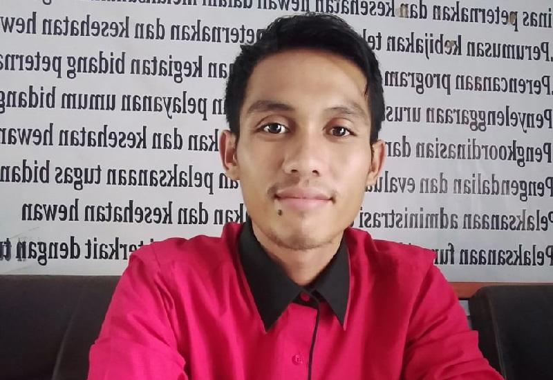 Wakil Ketua BPD Sakuru, Kecamatan Monta, Kabupaten Bima, Ilham. (Ntb News/Arif Sofyandi)